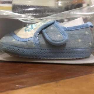 Baby shoes no 12
