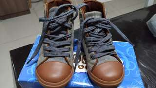 Deck's boot shoes size 26