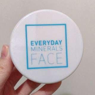 Everyday Minerals Face finishing dust powder 礦物粉 控油蜜粉
