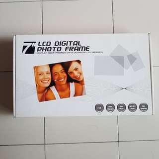 "7"" LCD Digital Photo Frame"