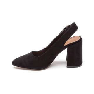 Therapy Black Point Heels Size 37