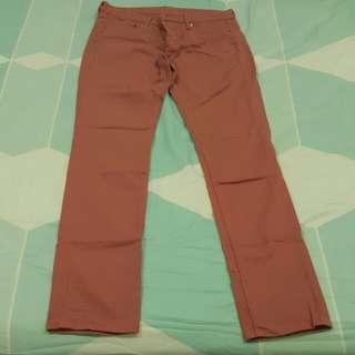 Uniqlo salmon colored jeans pants