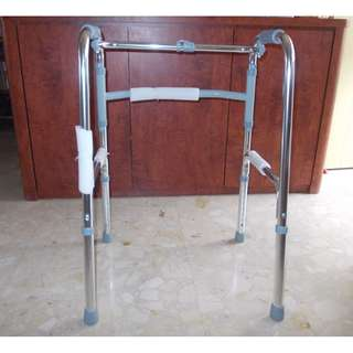 New Foldable and Light Weight Walking Frame