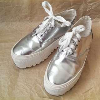 太空銀厚底鞋 37號 8.5成新