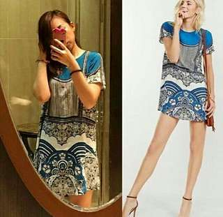 Dress merek Express, Size LD.56cm, Panjang 90cm. Material. Sifon Crepe. Sesekali pakai. Kondisi 90%. No defect.