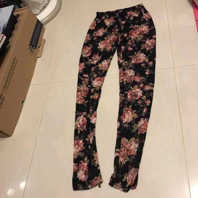 日本買的彈性蕾絲窄管褲
