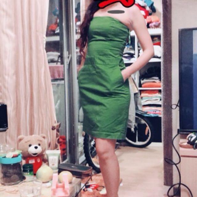 聖誕綠綠平口洋裝有彈性