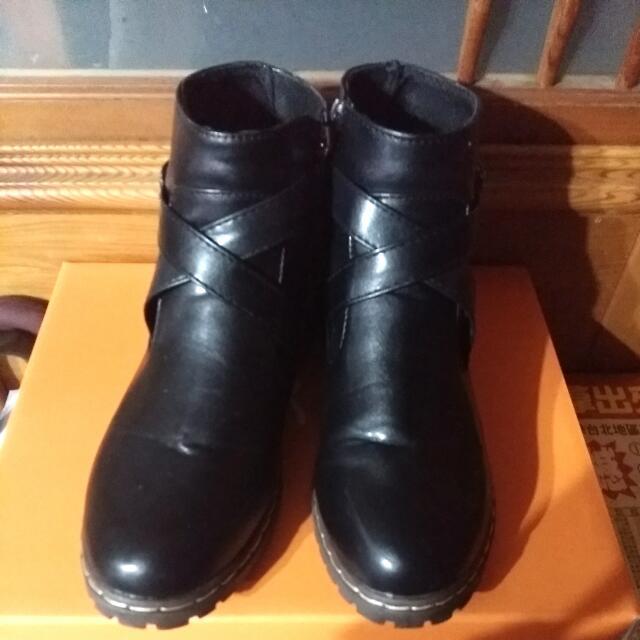 降價!!韓版交叉皮靴短靴
