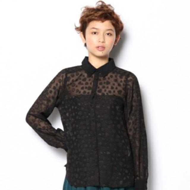 [二手]日本品牌 E hyphen EH 豹紋愛心壓紋雪紡襯衫 黑色 #好想找到對的人 #冬季衣櫃出清