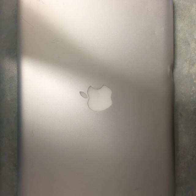 Apple MacBook Pro 13-inch Laptop mid-2012