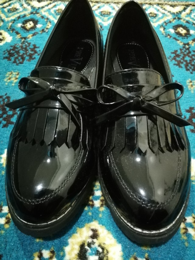 07b28663f Black Women s Loafers for Preppy Outfit!