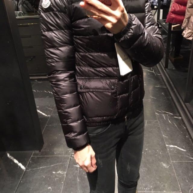 Bonjour Paris 巴黎購入Moncler 輕薄版羽絨外套 明星款黃金尺碼1號 現貨1件