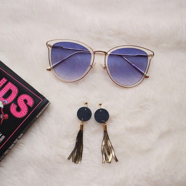 Calyn Sunglasses & Orombey Earrings
