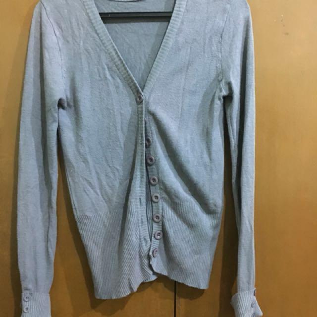 Cardigan color gray