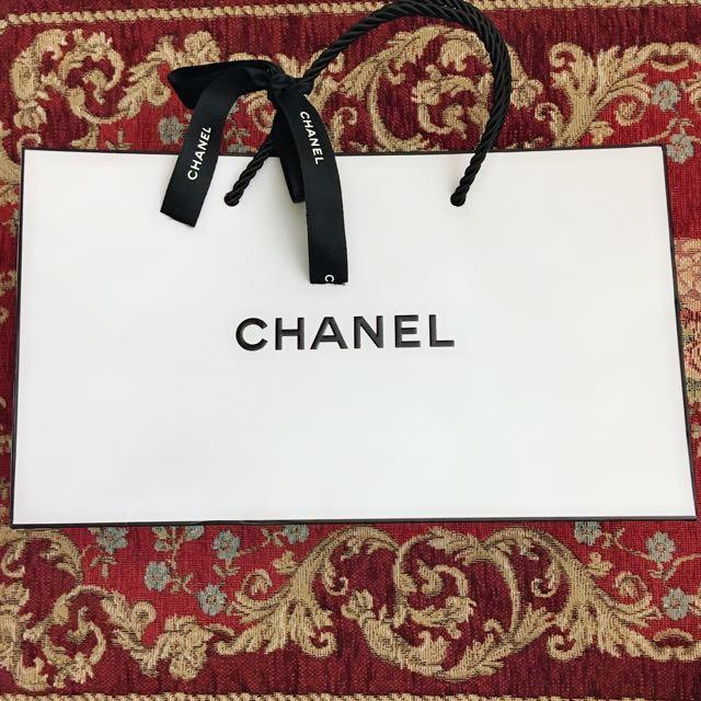 Chanel白底紙袋(附圖中黑色緞帶)