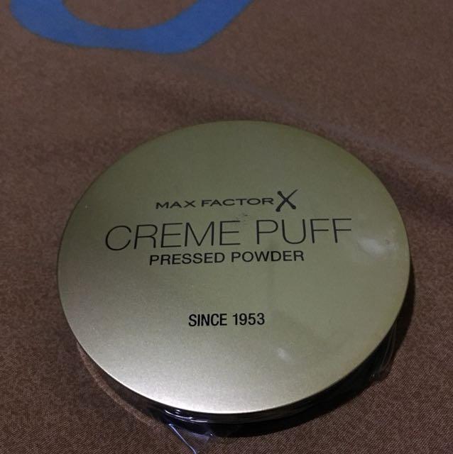 Creme puff pressed powder (max factor)
