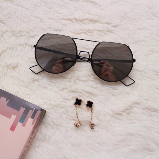 Haltany Sunglasses & Vancleef 08 Earrings