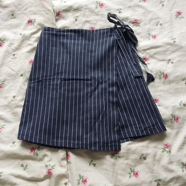 High Waisted Stripes Overlap Ribbon Skort
