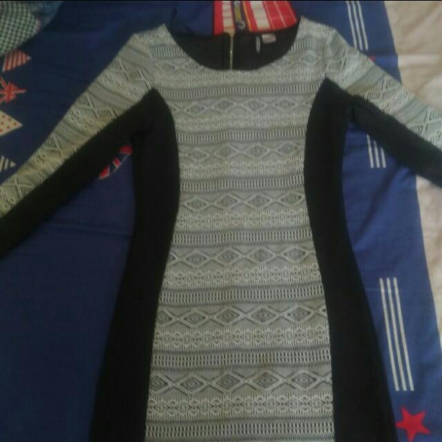 H&M圖騰連身裙