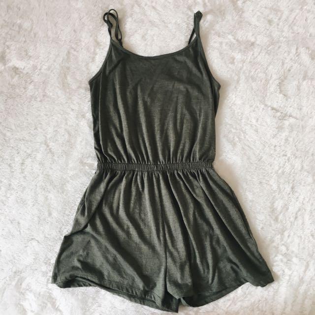 H&M Green Jumpsuit ( Reprice ) ❗️