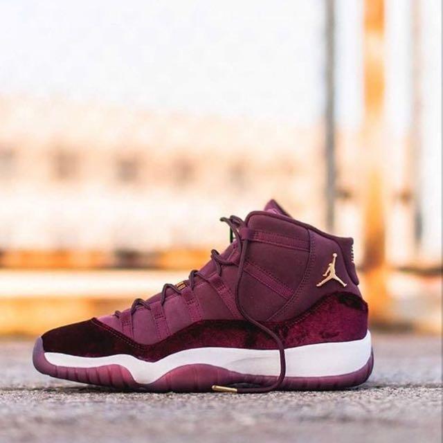 Jordan 11 velvet red