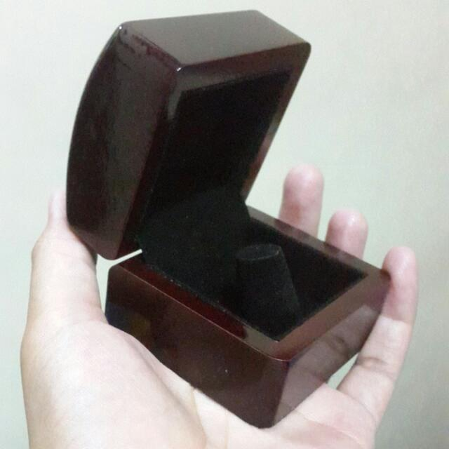 Kotak Cincin Kayu