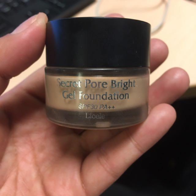 Lioele Secret Pore Bright Gel Foundation