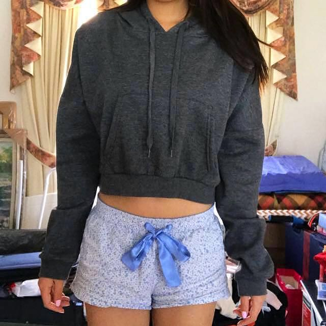 [MEDIUM] Cotton On Grey Crop Hoodie