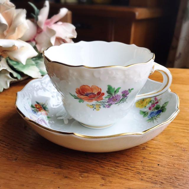 德國麥森Meissen 手繪Blumen系列古典浮雕三花咖啡杯盤組