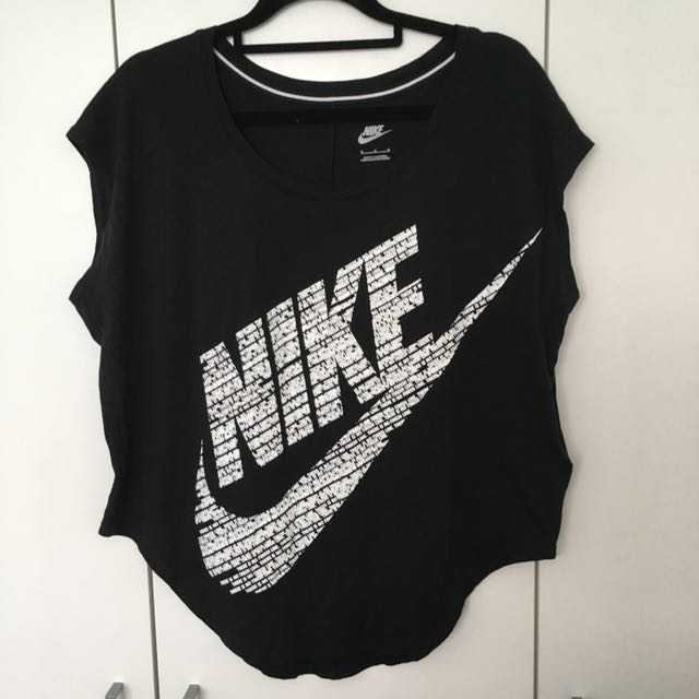 Nike Graphic Tshirt