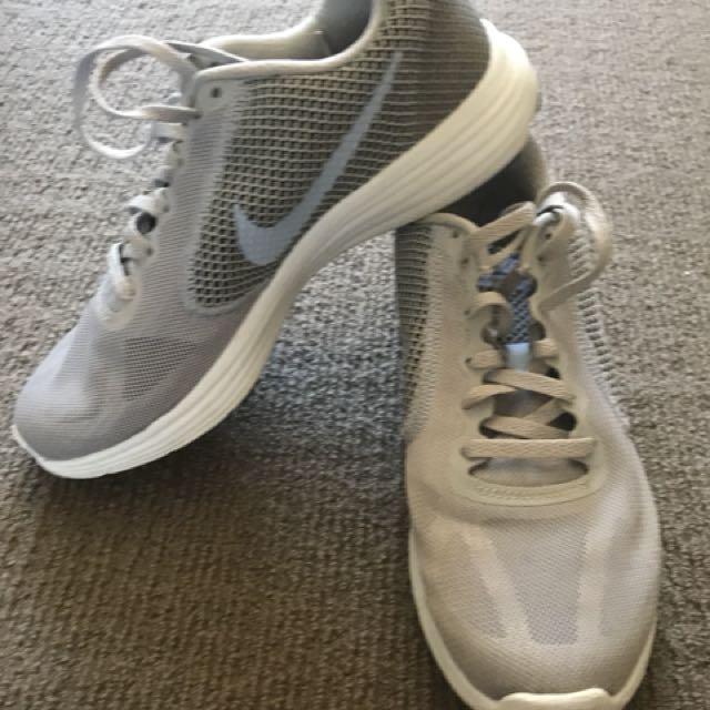 Nike grey women's runners size US 8.5