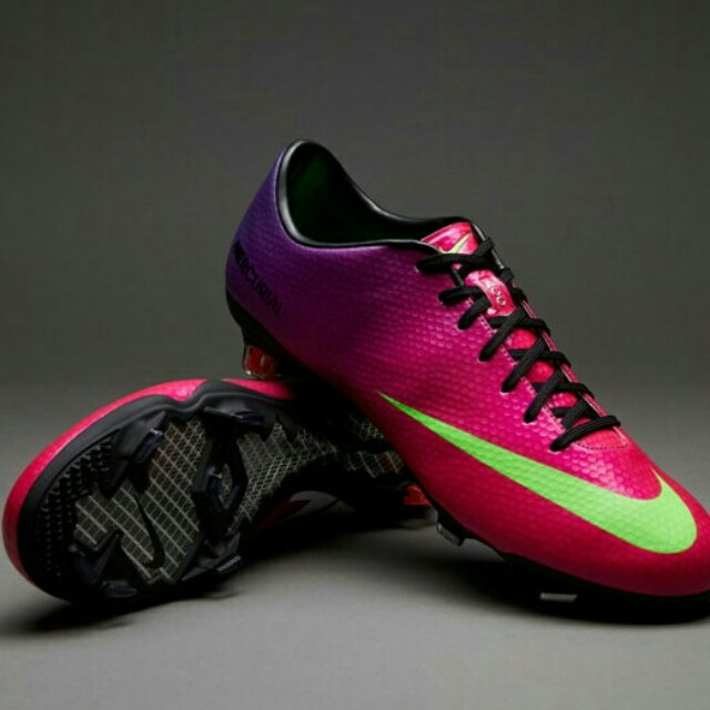 watch 853ec e4eae Nike Mercurial Vapor IX - Fireberry, Sports, Sports  Games .