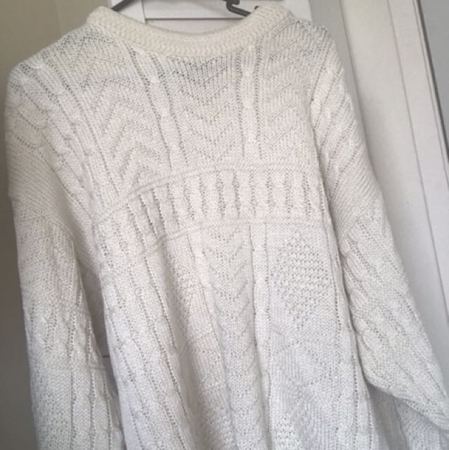 Oversized knitted jumper