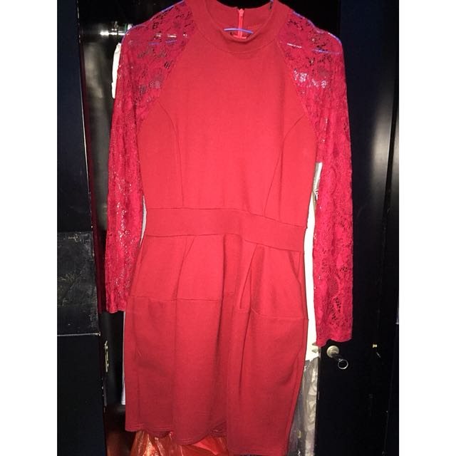 [Preloved] - Mini Dress Merah Motif Brukat Import