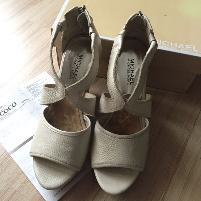 Pre-loved ORIGINAL Michael Kors Wedges