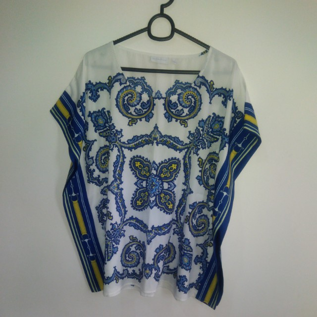 Printed blouse with belt