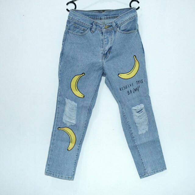 Ripped Jeans Banana Tidak Tembus