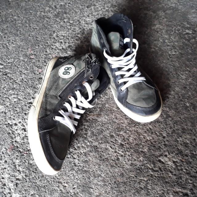 Sepatu TOM KIN's ori
