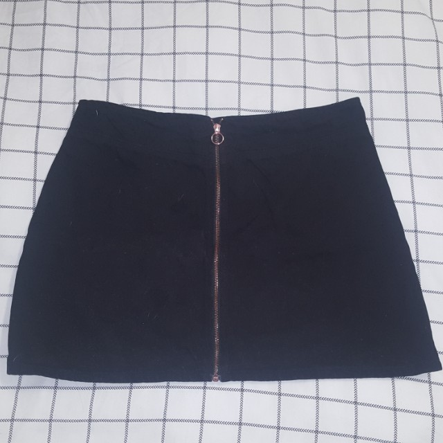 Size 16 Lyla&Co Black Zip Down Skirt