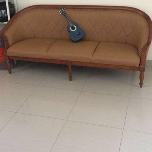 Sofa 3pc + Meja Klasik Kayu (Kulit sintetic)