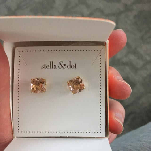 Stella and Dot Luxe Studs - Pink