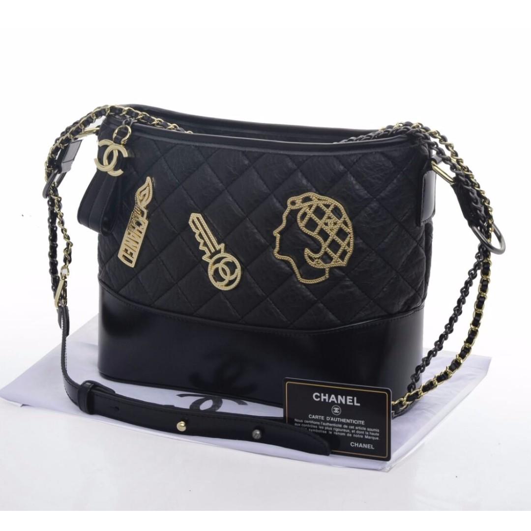 Tas Chanel Gabrielle Stud Embellished Medium HITAM Seprem 8909 ... baf7163019