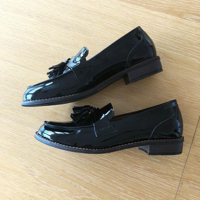 Tasseled Patent Loafers (Black)
