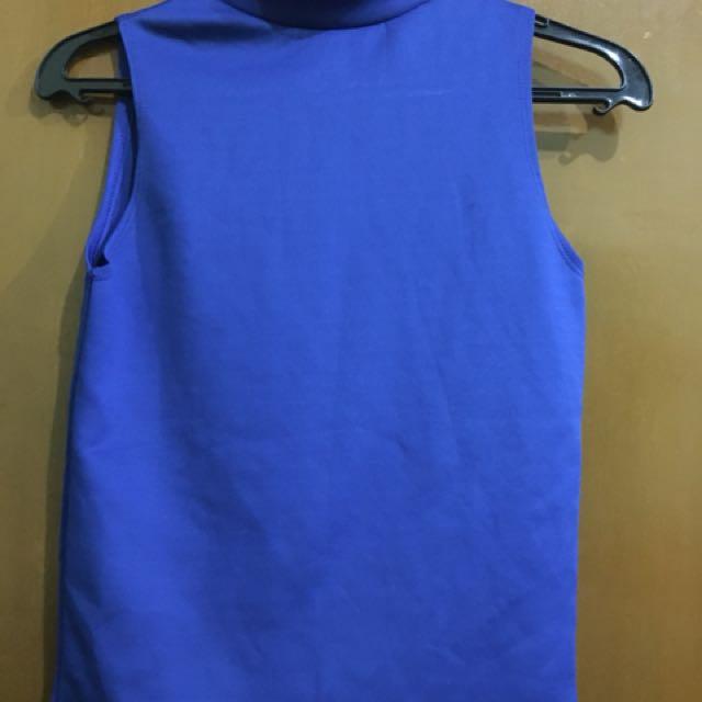 Turtle neck sleeveless