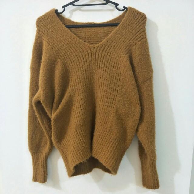 駝色V領毛衣#冬季衣櫃出清