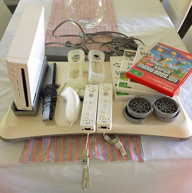 Wii Console & Accessories