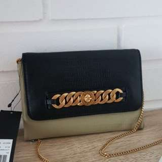 Authentic Marc Jacobs Clutch & Sling bag (REDUCTION!!)