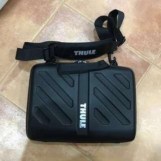 """Thule - Gauntlet Attaché Case for 13"""" Laptop"""