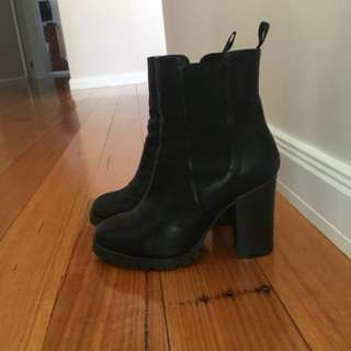 Black sports girl boots