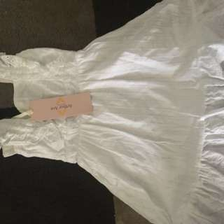 Size 0 white dress